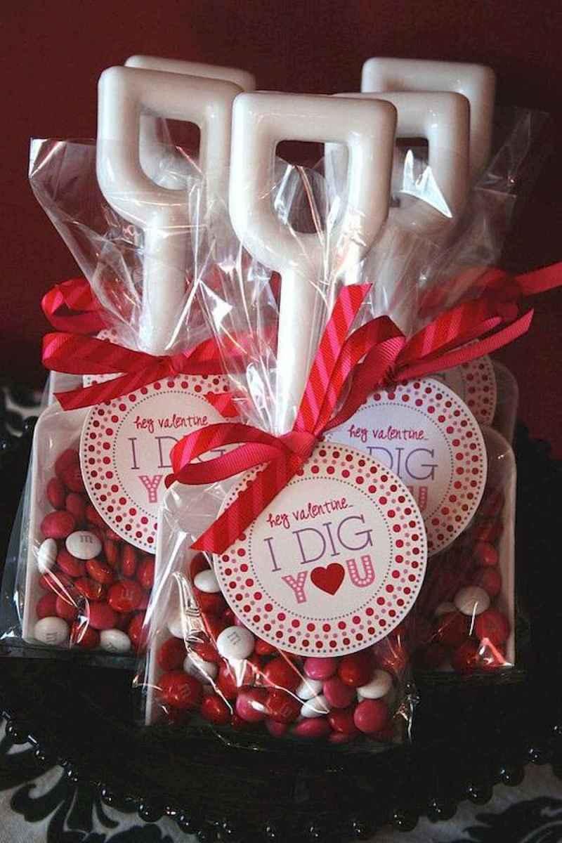 75 lovely valentines day crafts design ideas (11)