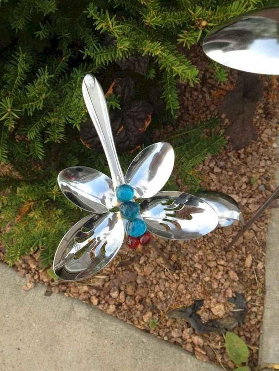 70 creative and genius garden art from junk design ideas for summer (41)