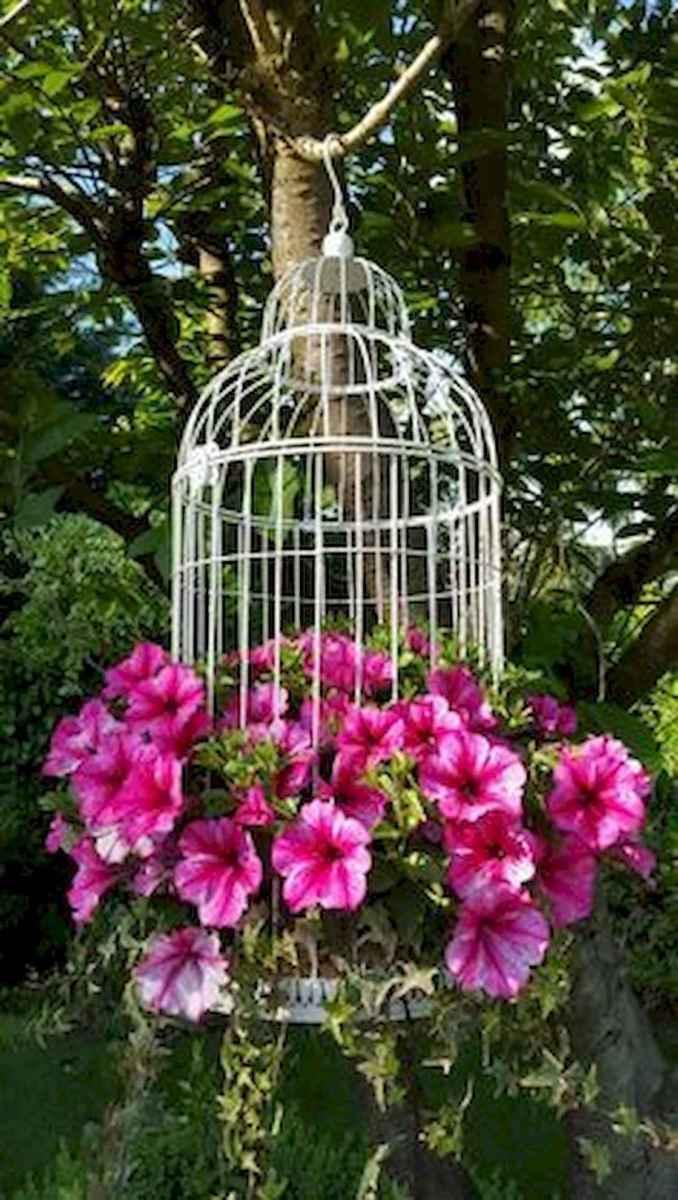 70 creative and genius garden art from junk design ideas for summer (65)