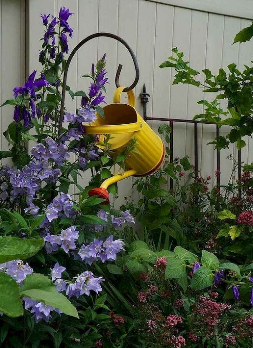 70 creative and genius garden art from junk design ideas for summer (68)