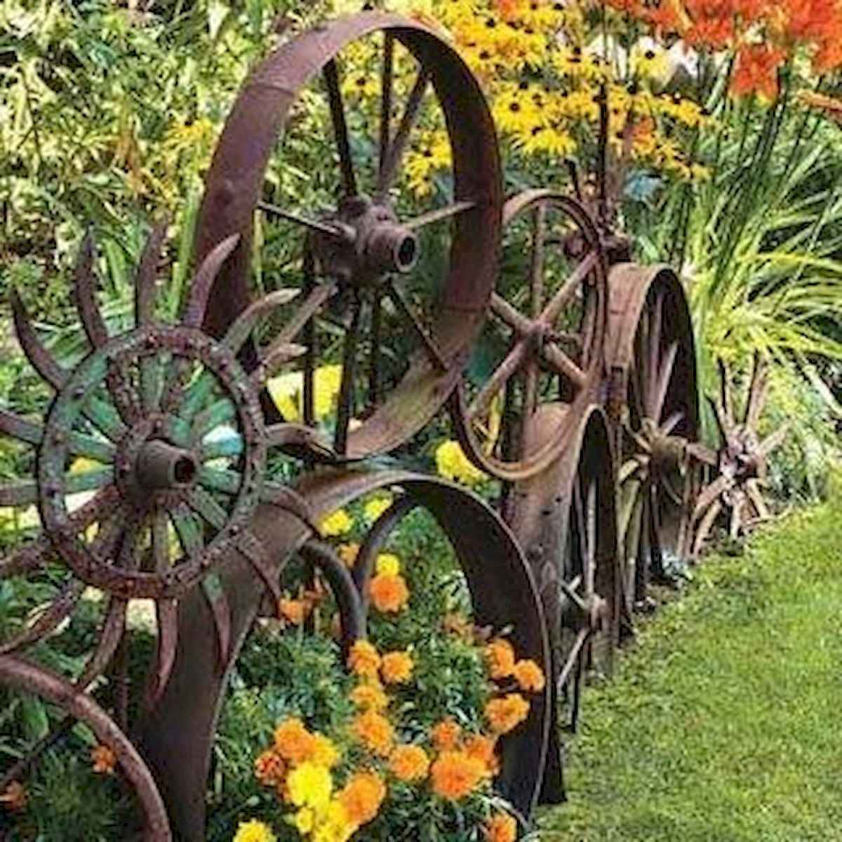 70 creative and genius garden art from junk design ideas for summer (71)