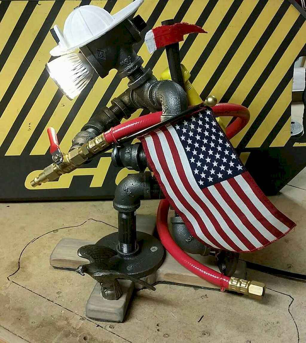 35 creative diy industrial pipe lamp design ideas robot to decor your home (32)