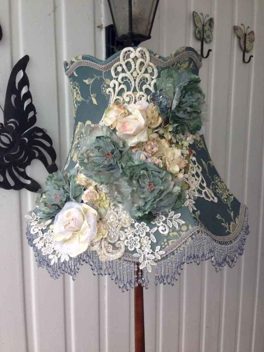 40 vintage victorian lamp shades ideas for decorating bedroom diy (15)