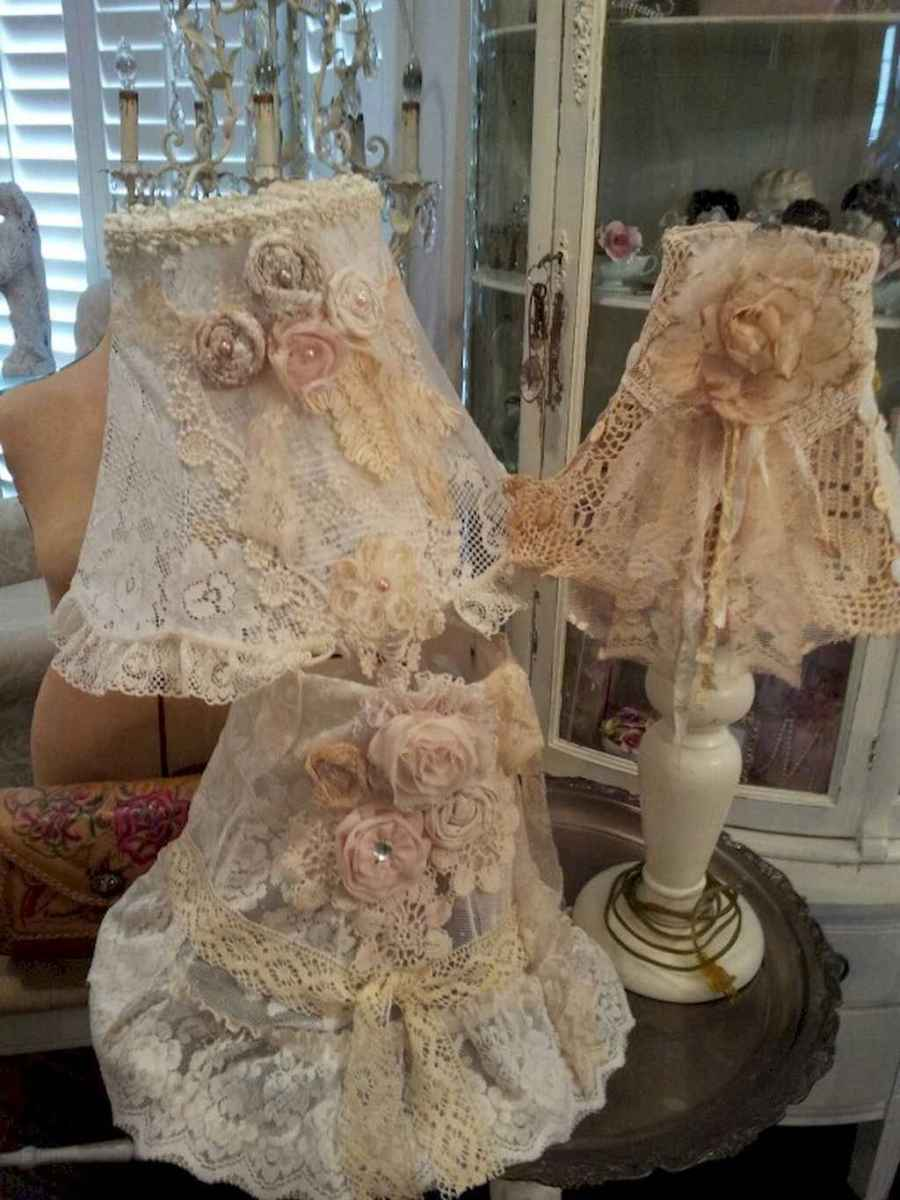 40 vintage victorian lamp shades ideas for decorating bedroom diy (17)