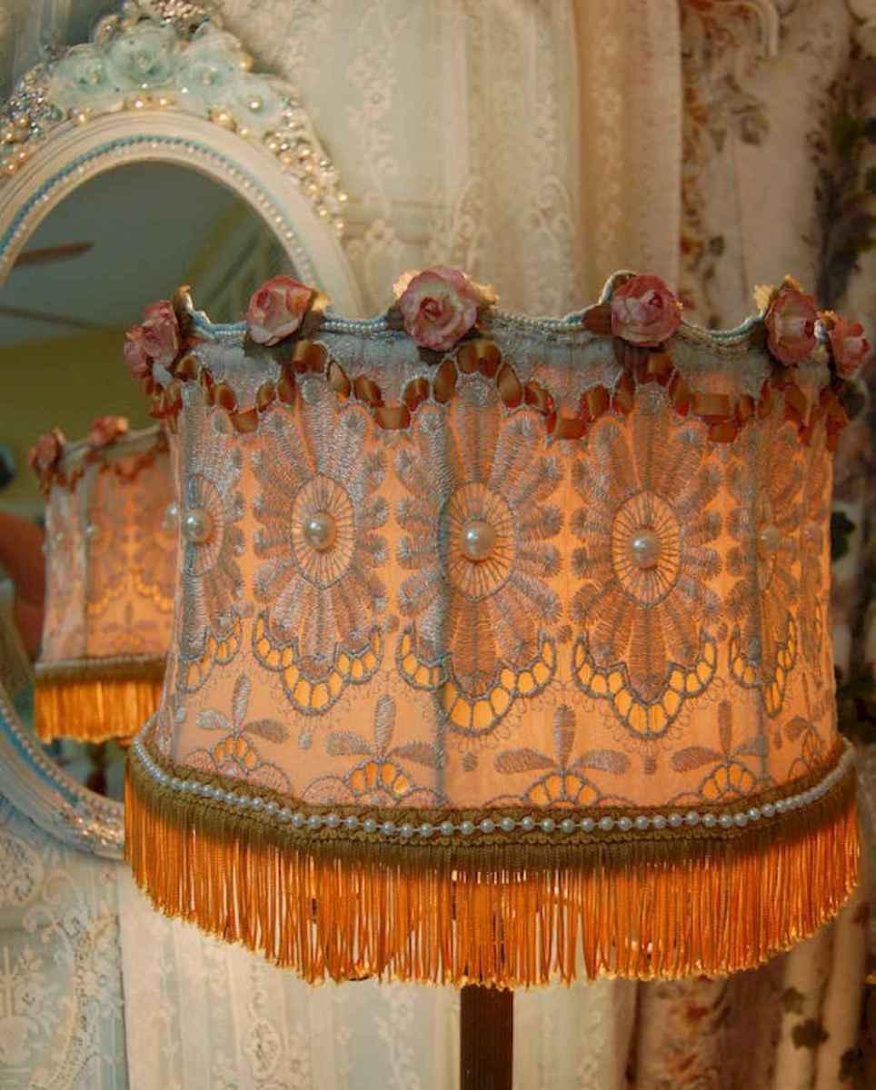 40 vintage victorian lamp shades ideas for decorating bedroom diy (25)