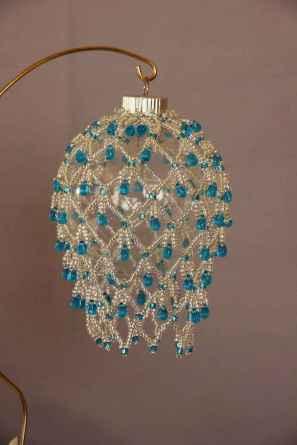 40 vintage victorian lamp shades ideas for decorating bedroom diy (39)