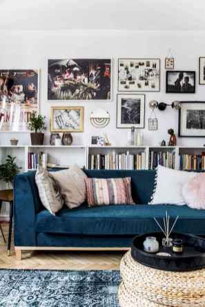 44 modern bohemian living room ideas for small apartment (26)