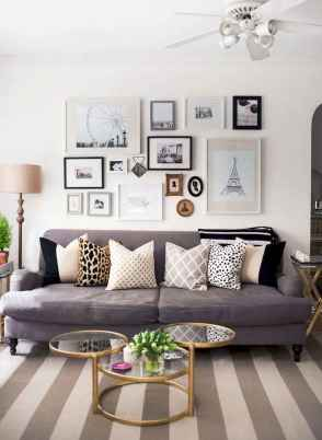 50 beautiful gallery wall ideas to show your photos (18)