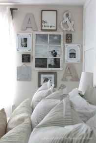 50 beautiful gallery wall ideas to show your photos (41)