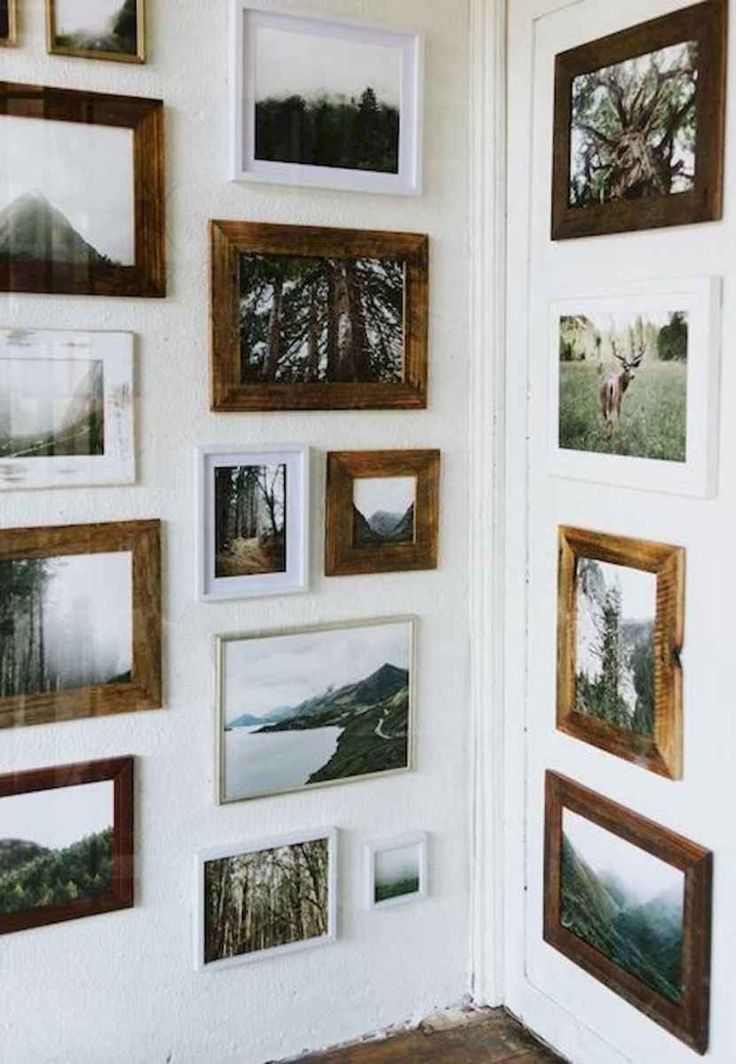 50 beautiful gallery wall ideas to show your photos (47)