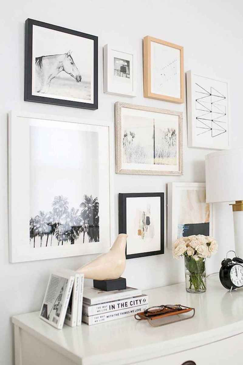 50 beautiful gallery wall ideas to show your photos (8)
