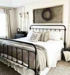Inspiring modern farmhouse bedroom decor ideas (20)