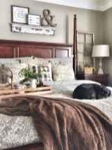 Inspiring modern farmhouse bedroom decor ideas (47)