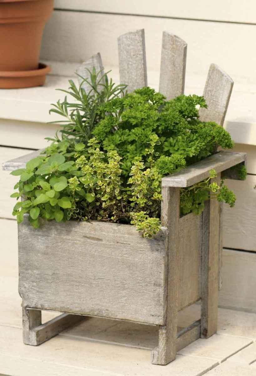 Adorable diy container herb garden design ideas (9)