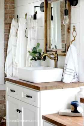 Rustic farmhouse bathroom design ideas (12)
