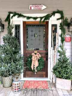 Beautiful 30 christmas porch decor ideas