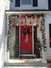 Beautiful 33 christmas porch decor ideas