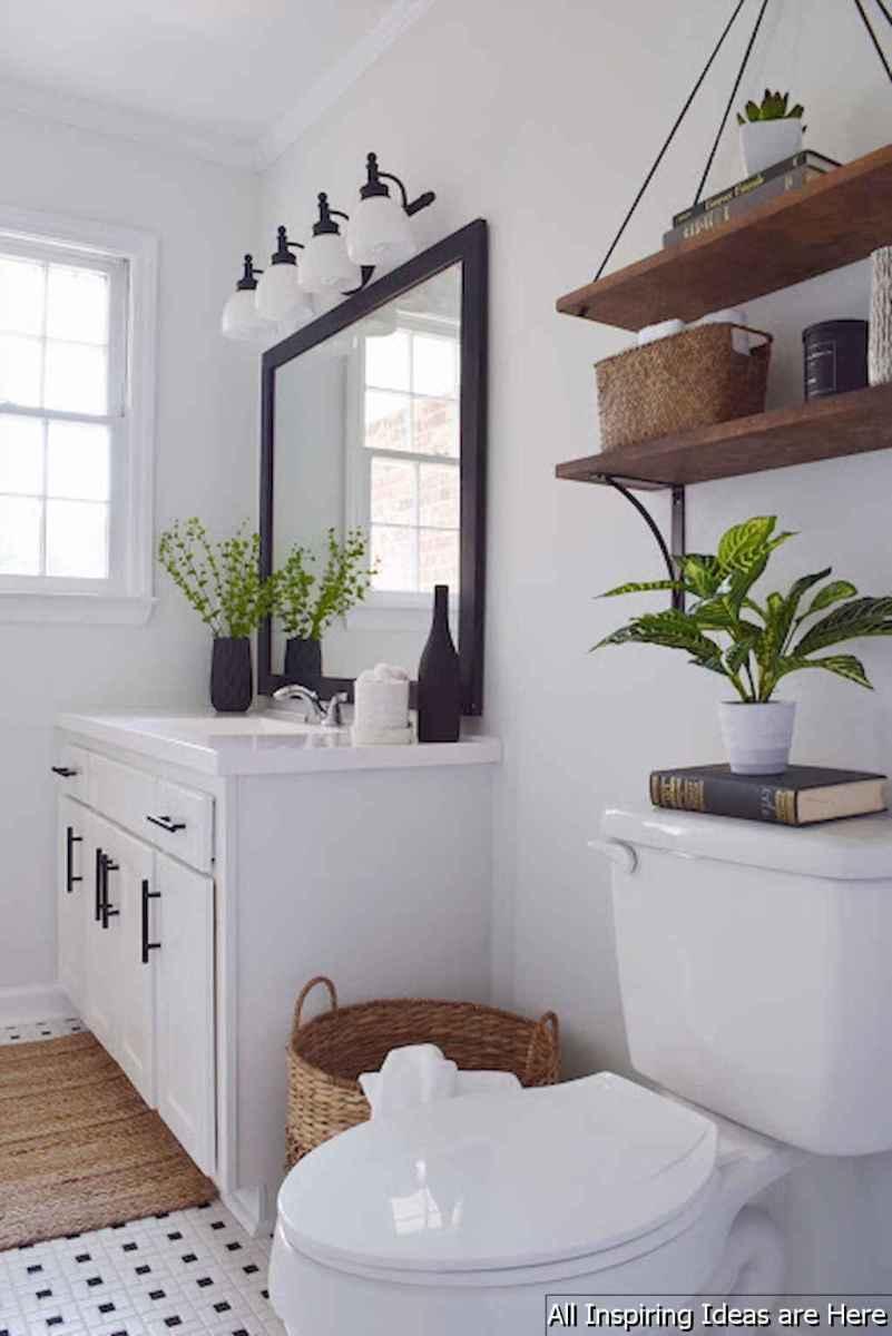 Minimalist modern farmhouse small bathroom decor ideas 18