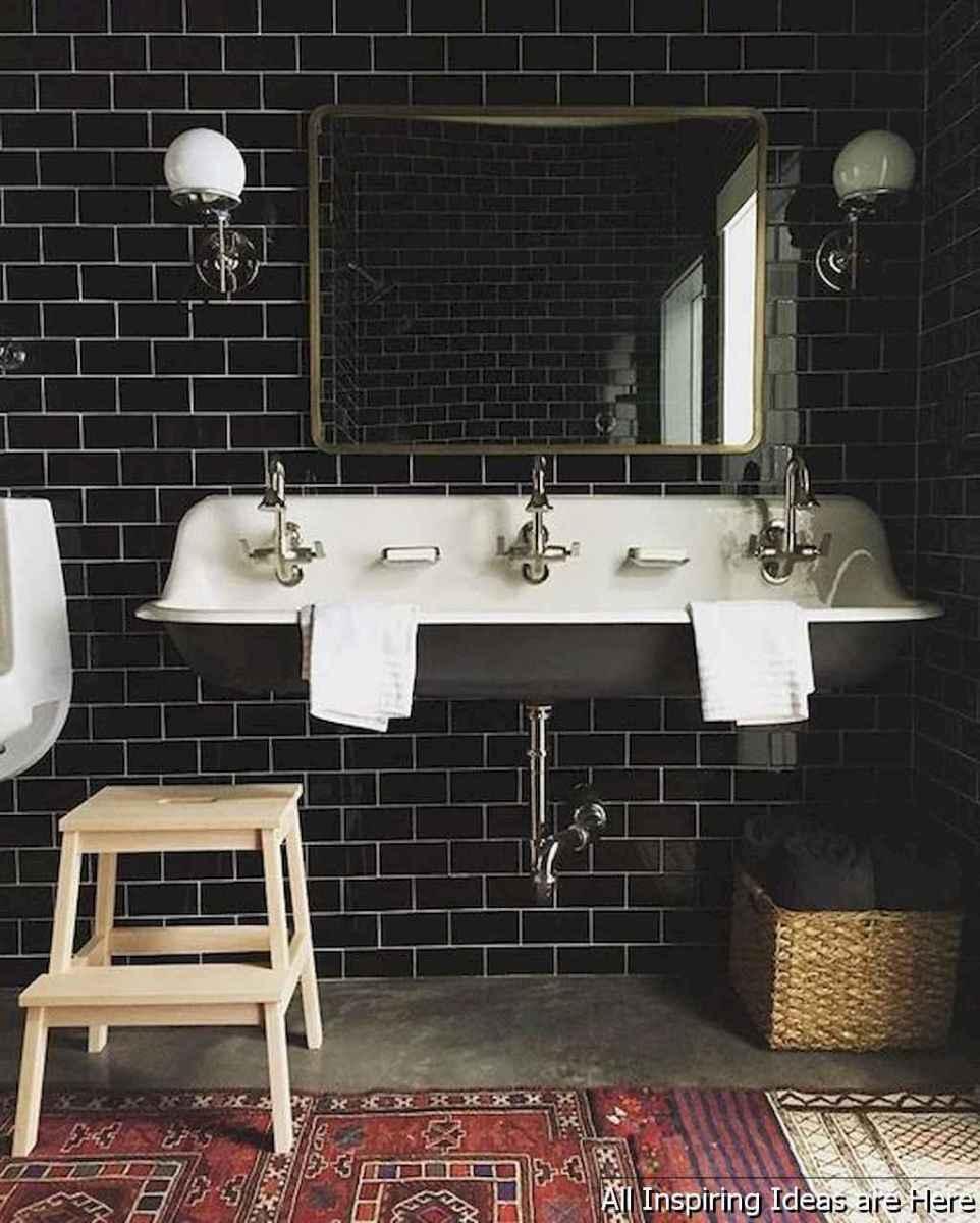Minimalist modern farmhouse small bathroom decor ideas 31