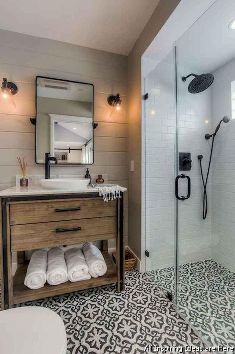Minimalist modern farmhouse small bathroom decor ideas 5