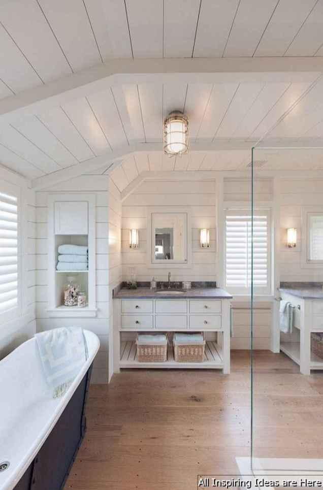Minimalist modern farmhouse small bathroom decor ideas 6