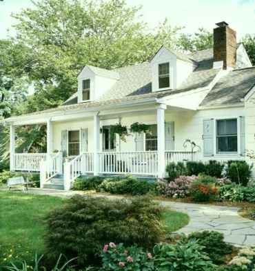 Traditional cape cod house exterior ideas 008