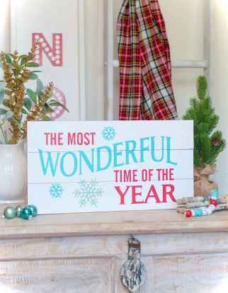 Nice diy christmas signs ideas on a budget 0027