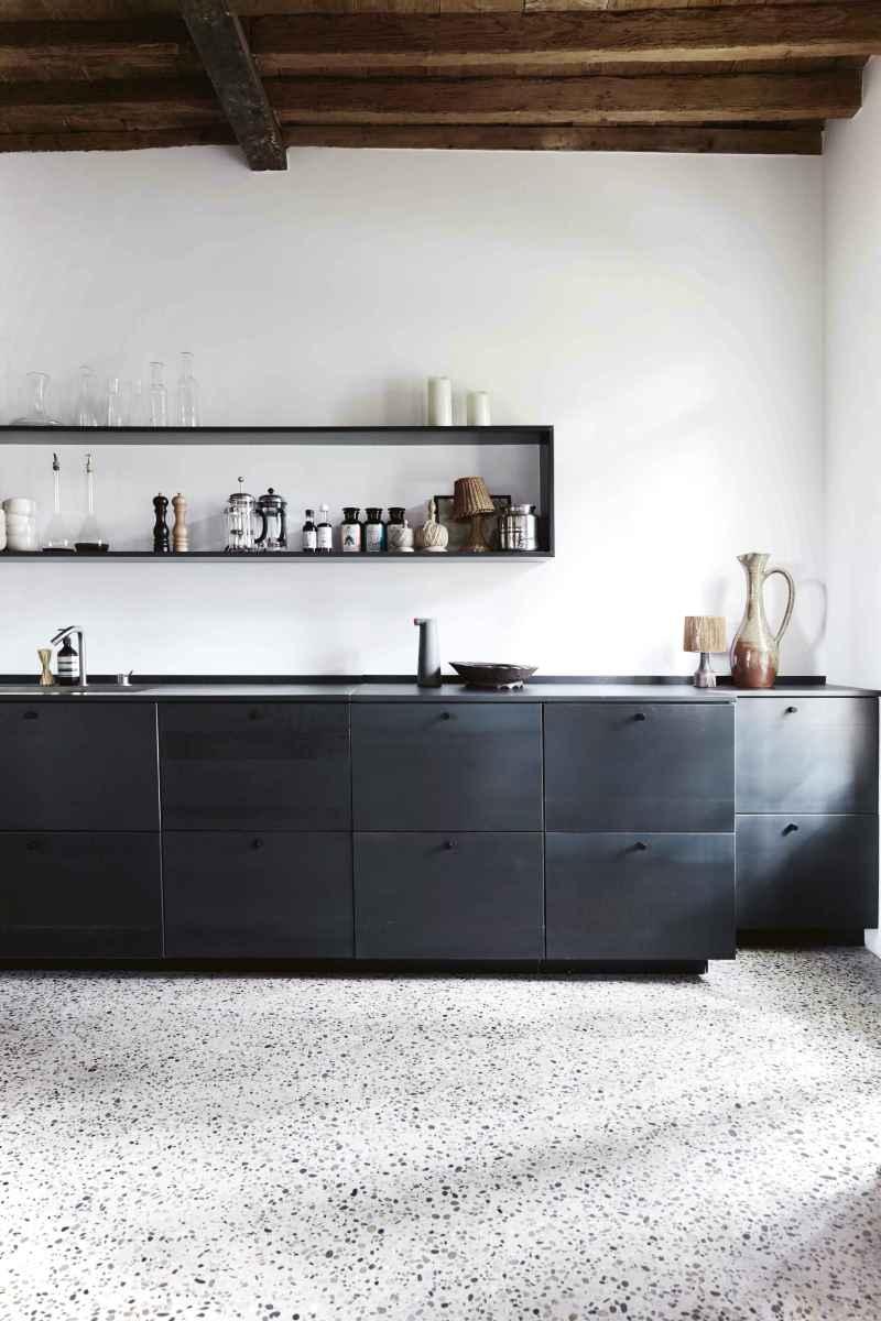 Amazing cottage kitchen cabinets ideas035