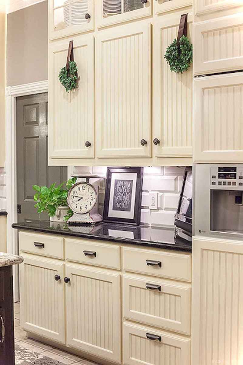 Amazing cottage kitchen cabinets ideas037