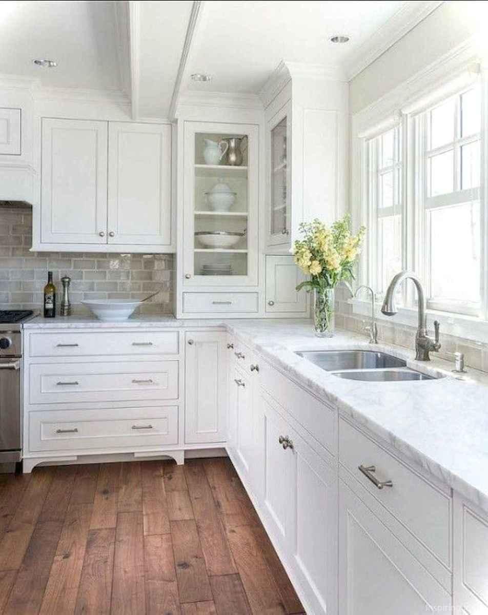 Amazing cottage kitchen cabinets ideas055