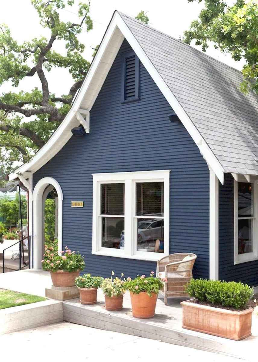 Charming 32 small cottage house exterior ideas