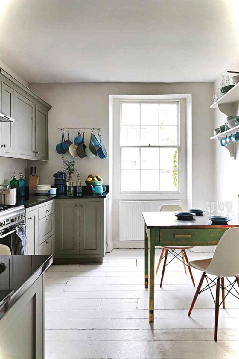 Genius small cottage kitchen design ideas006