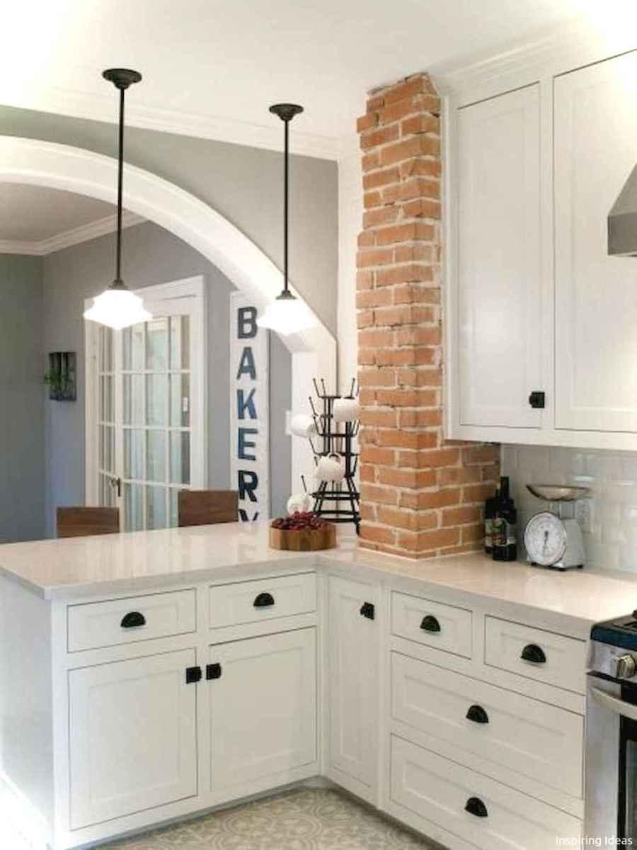 Genius small cottage kitchen design ideas016