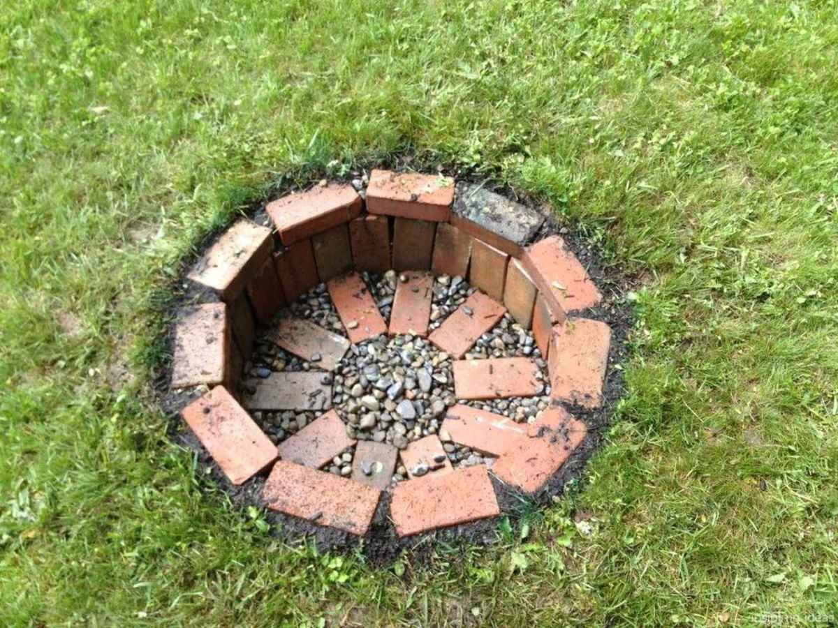25 diy backyard fire pits design ideas