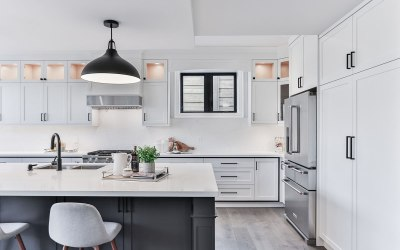 Inspiring Backsplash Ideas for White Kitchens