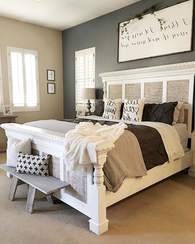 How to Buy a Great Farmhouse Bedroom Set