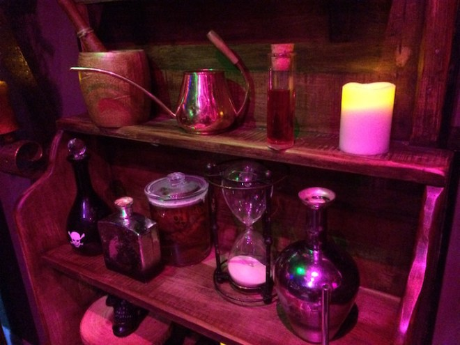 Escape Room Live Alexandria - Wizard's Apothecary - Magical Items