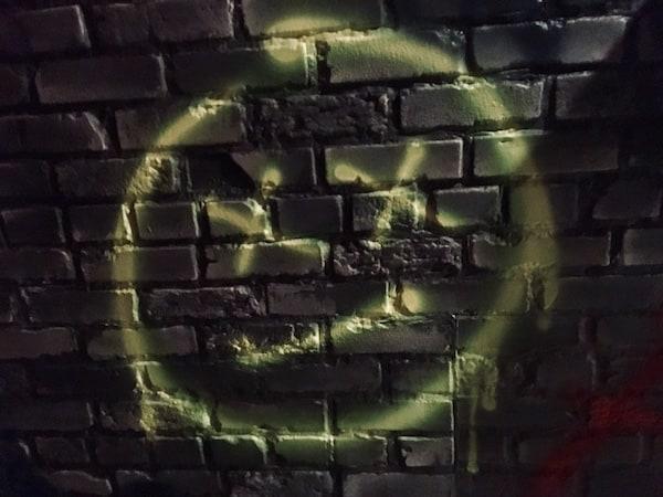 In-game: a grafitti's dead face.