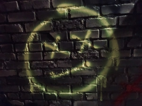 In-game: a grafitti's dead face.