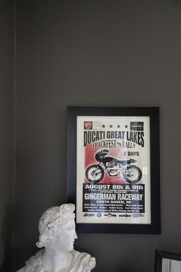bust-motorcycle-artwork