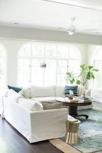 White Sofa In Living Room - [peenmedia.com]