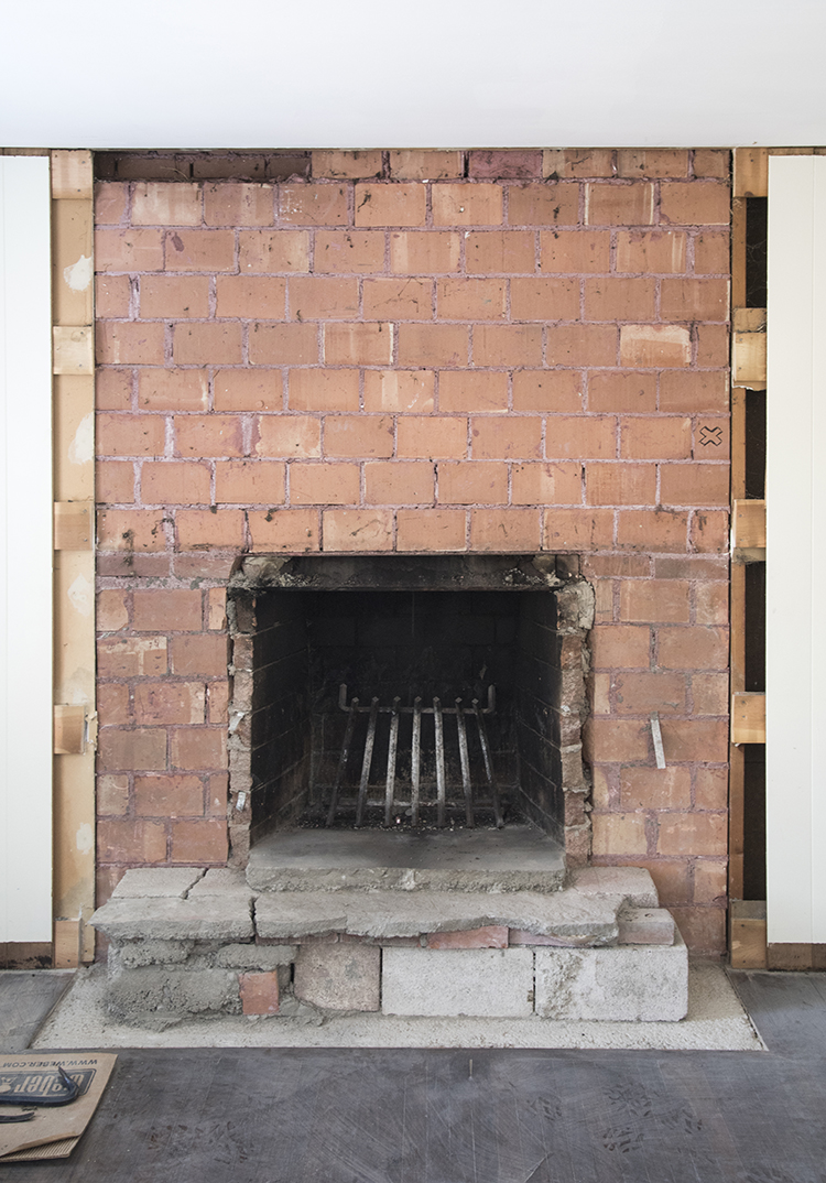 fireplace-brick-exposed
