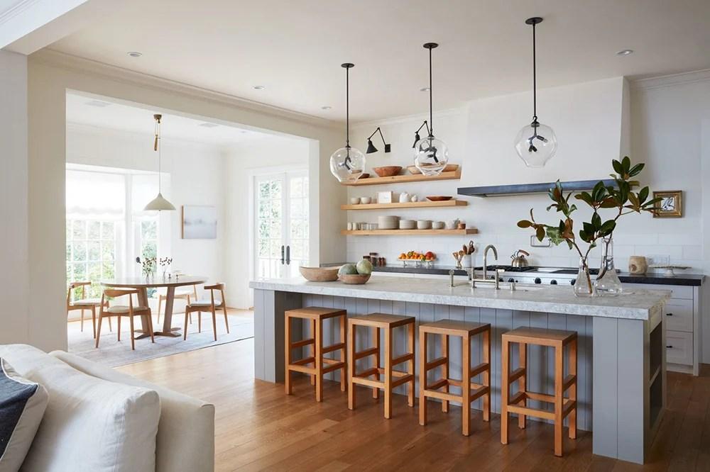 A Whitewashed Mod Farmhouse Kitchen