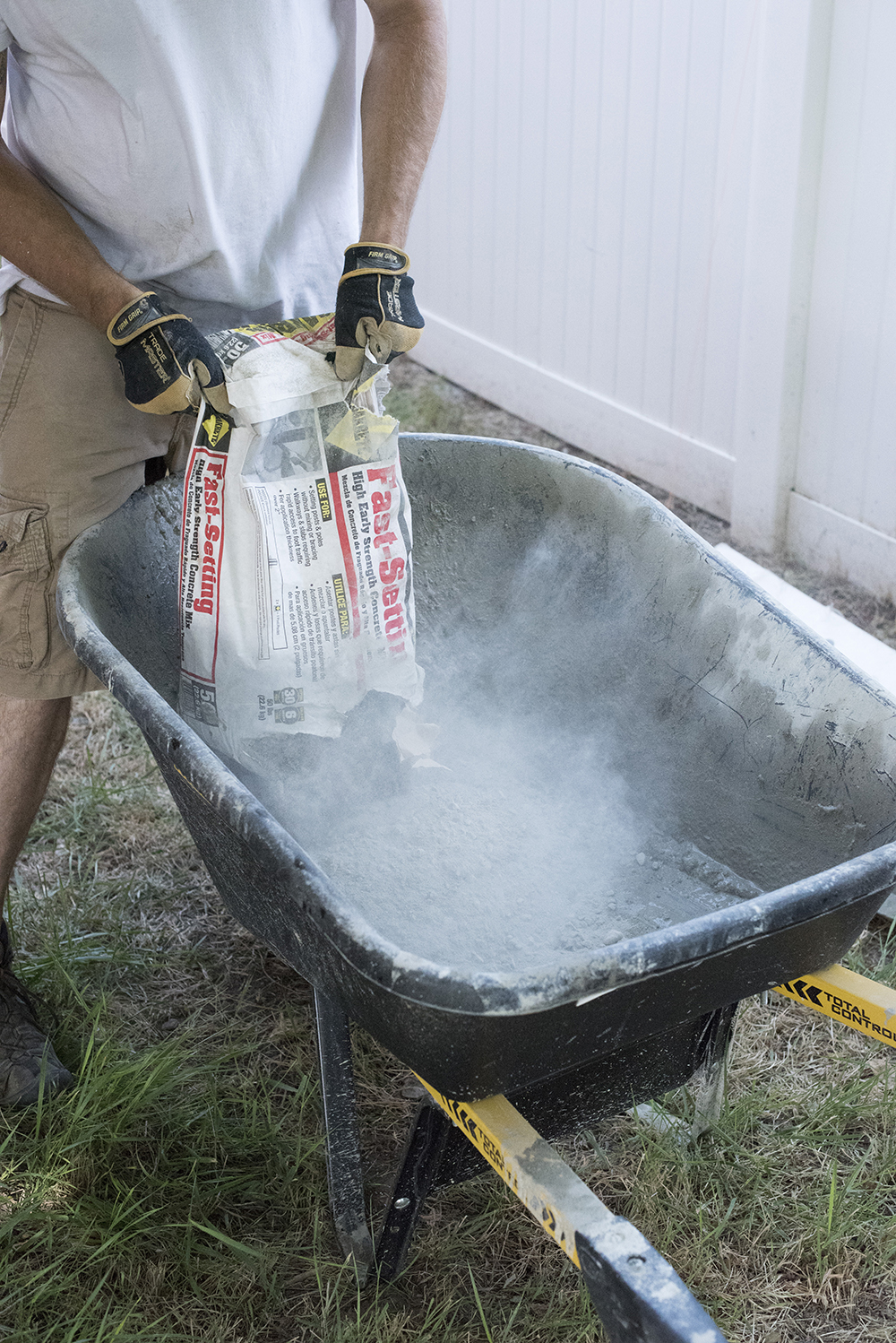 How to Mix Cement