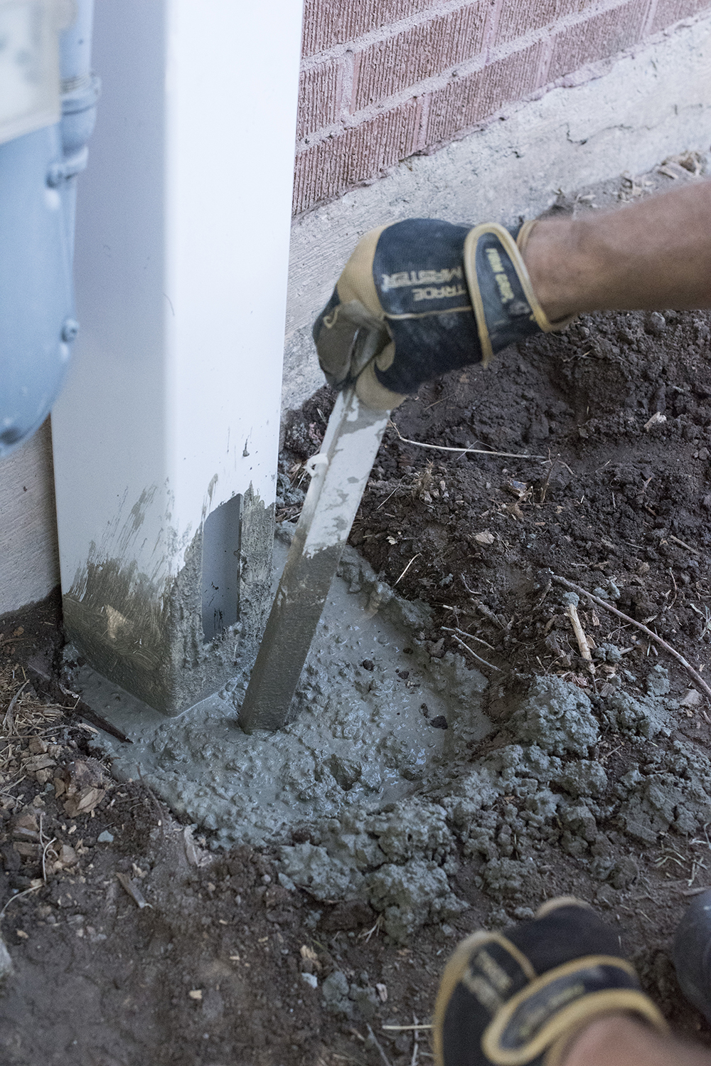 Setting a Fence Post in Concrete