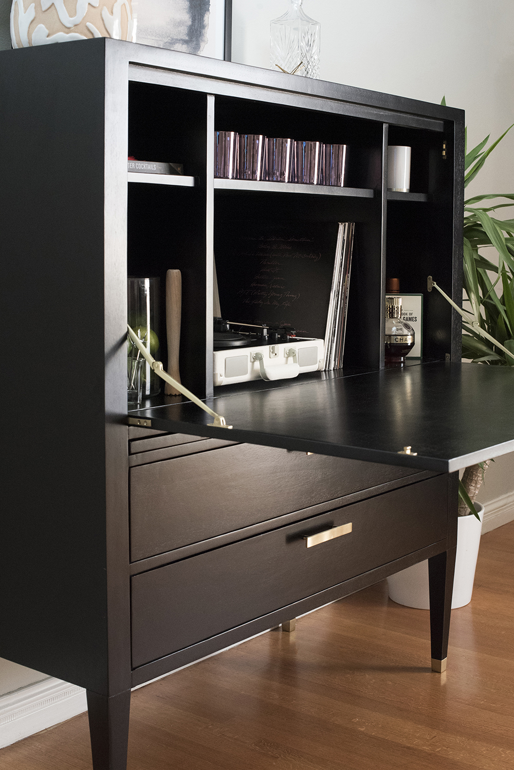 Styling a Glam Bar Cabinet - roomfortuesday.com