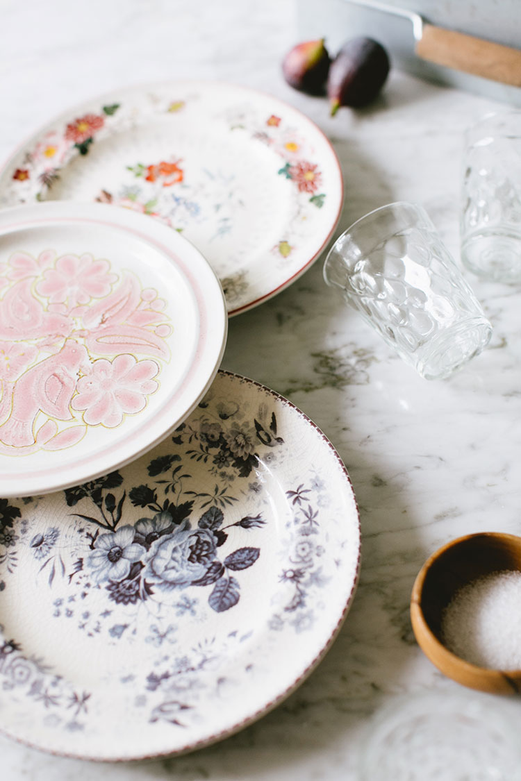 Best of Etsy : Vintage Plates for a Spring Table - roomfortuesday.com