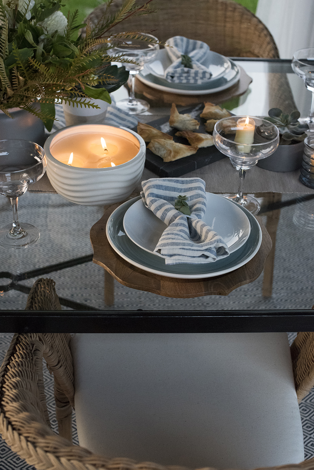 End of Summer Dinner Party + A Giveaway - roomfortuesday.com
