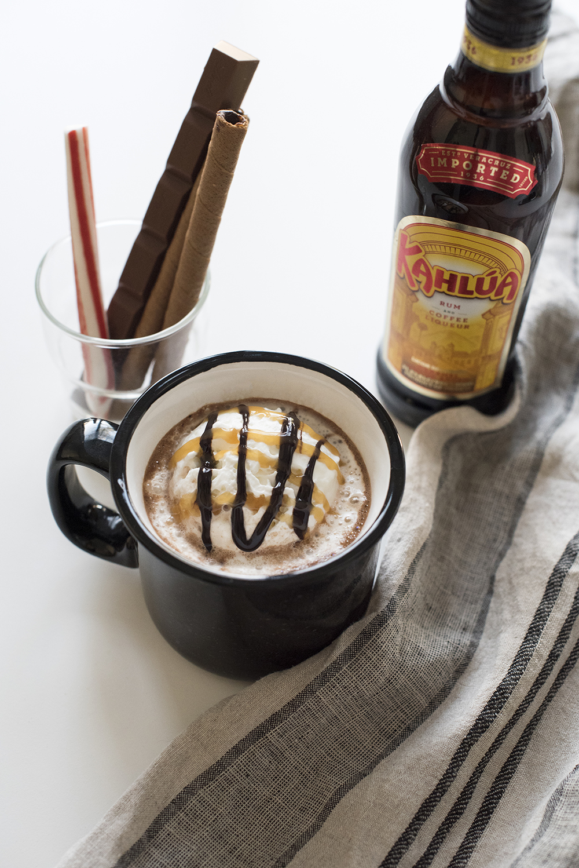 Holiday Hot Cocoa Bar - roomfortuesday.com