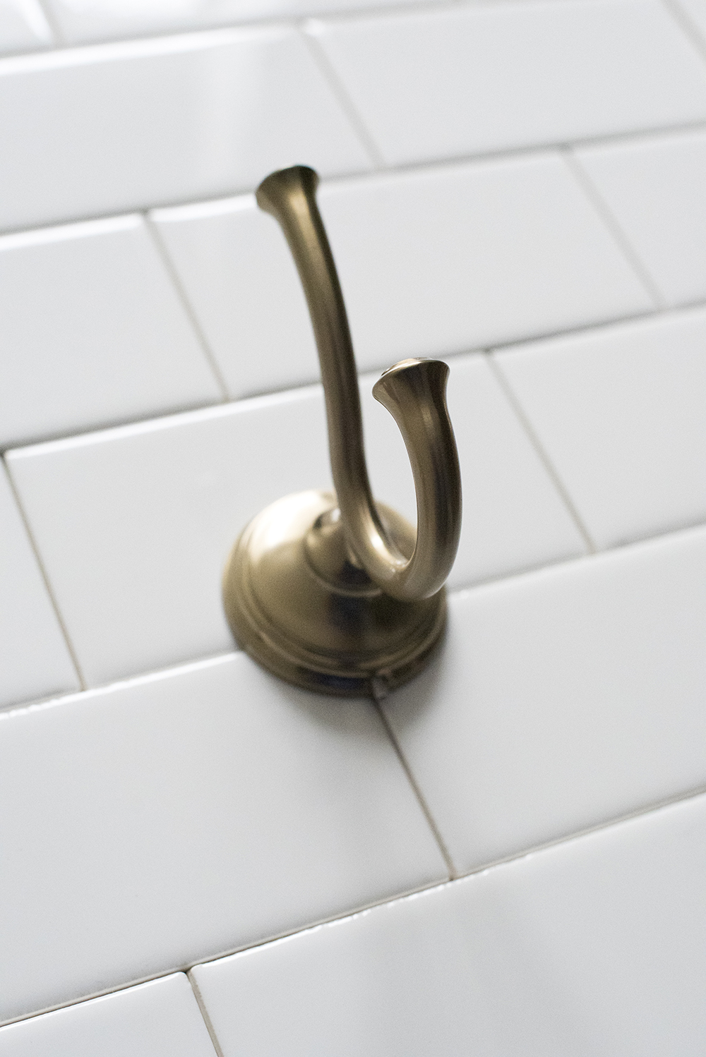 How to Choose Cohesive Bathroom Plumbing Fixtures - roomfortuesday.com